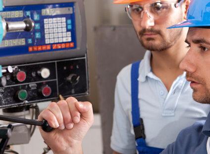 Arbejdsgiver ansvarlig for elektrikers ulykke med strømførende kabel