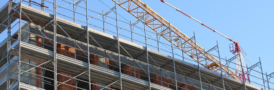 Arbejdsgiver ansvarlig for ansats fald fra lav gangbro