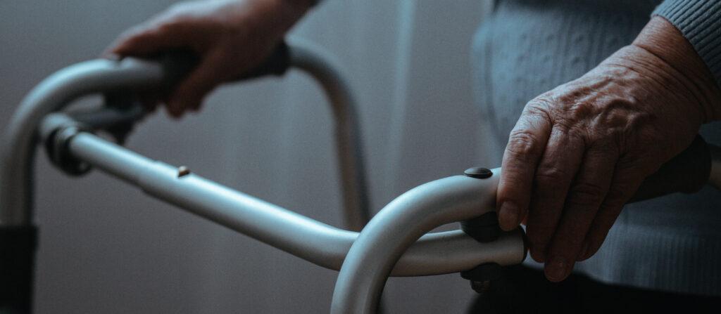 Arbejdsgiver ansvarlig for ikke-plejers forsøg på at hjælpe ældre beboer