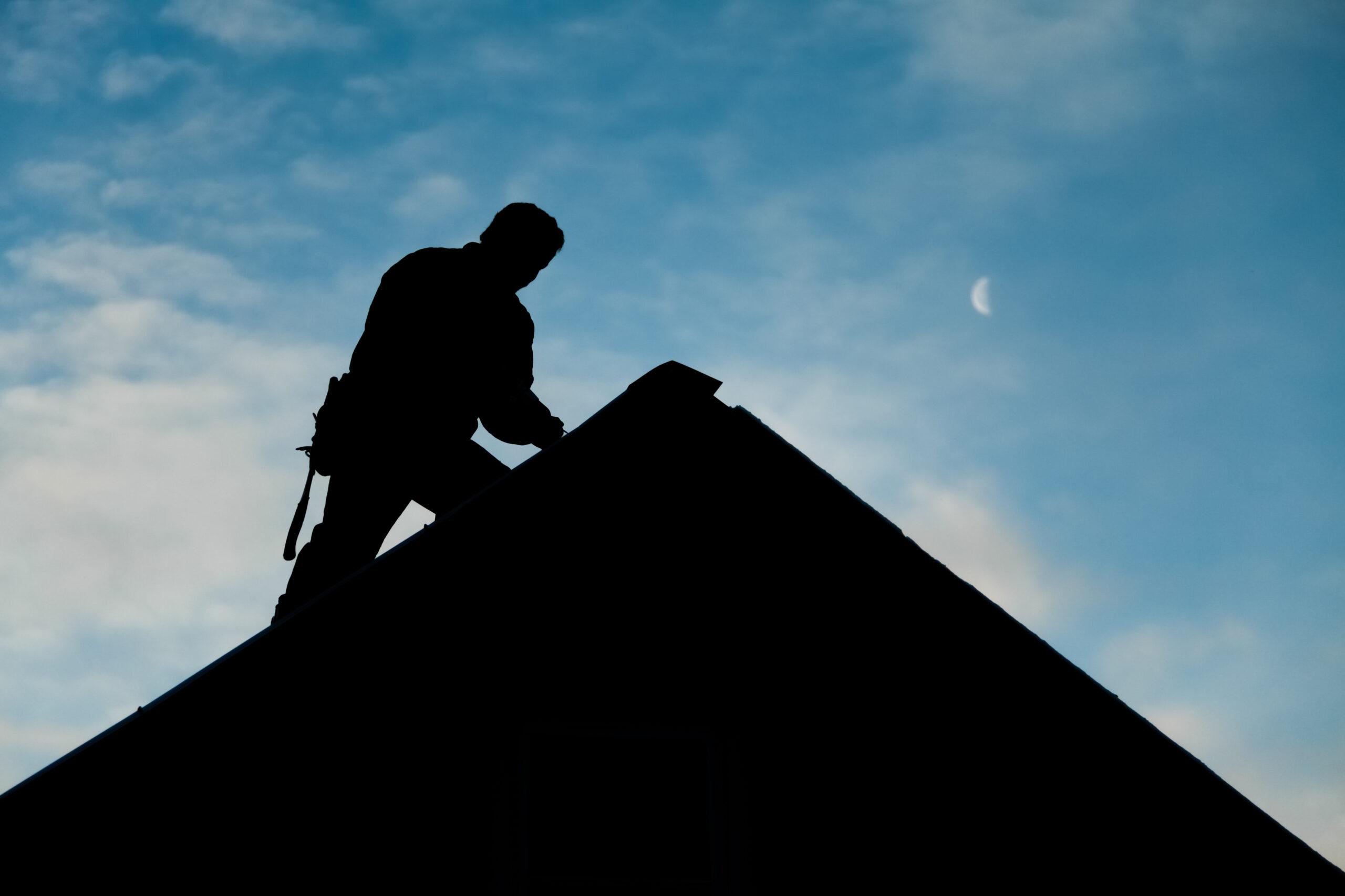 Arbejdsgiver havde ikke tilrettelagt arbejde på et tag sikkerhedsmæssigt fuldt forsvarlig